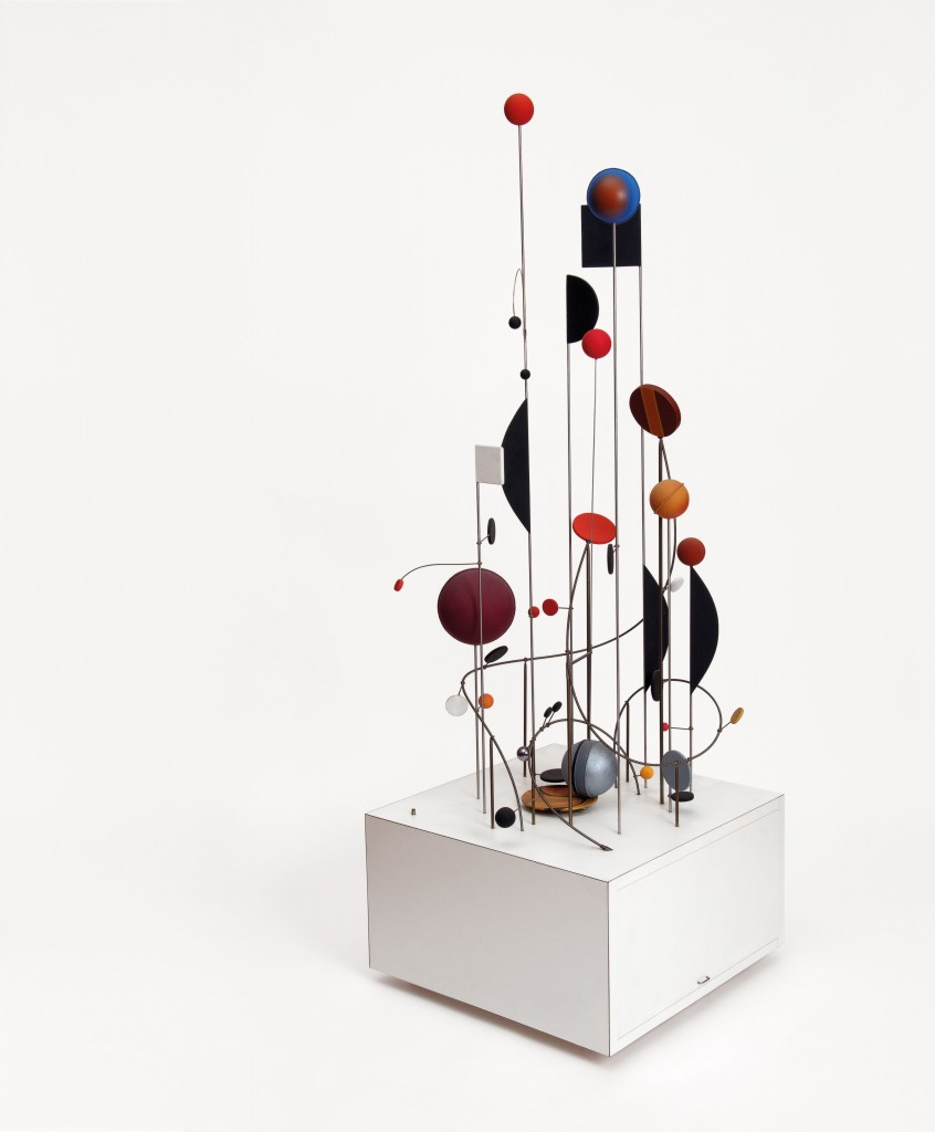 Abraham Palatnik, Kinetic Machine CK-8, 1966:2005, acrylic paint, wood, metal, motor, Artist's Collection/Photo: Vicente de Mello